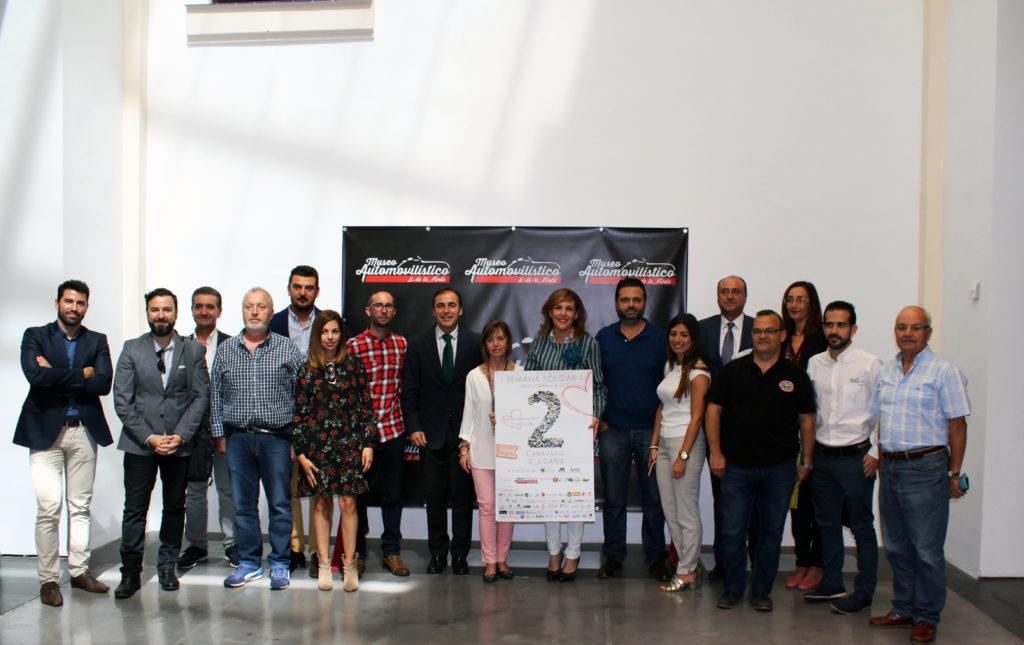 Participantes y colaboradores de la I Semana Solidaria organizada por el Museo Automovilístico y de la Moda de Málaga