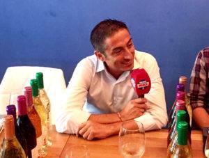 Momentos muy divertidos de la tertulia en Eboka Restaurante con el directo de Radio Marca