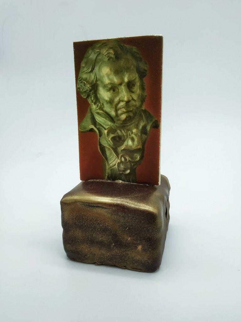 Postre de Chocolate con la forma de la Estatuilla de los Premios Goya